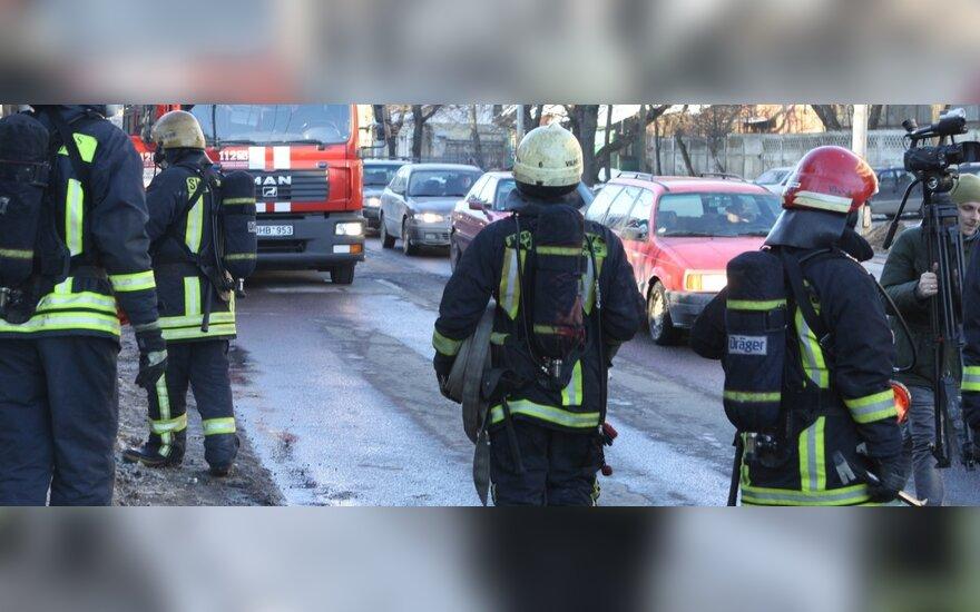 """Dėl """"Snoro"""" problemų daugybė ugniagesių negavo atlyginimų"""