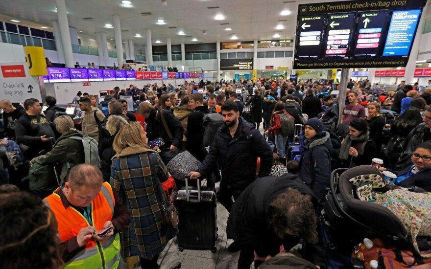 Žiniasklaida: Gatviko oro uoste jau nusileido pirmas lėktuvas po netikėto uždarymo