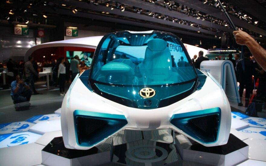 """Koncepcinis """"Toyota FCV Plus"""""""