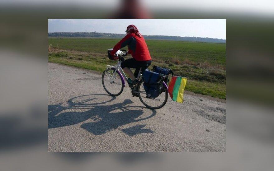 Nijolė Martinkėnienė ant dviračio