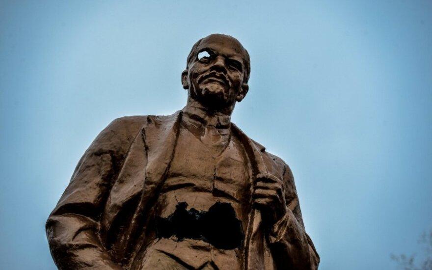 Pasiūlymas Garliavai – atsikratyti Lenino garbintojo