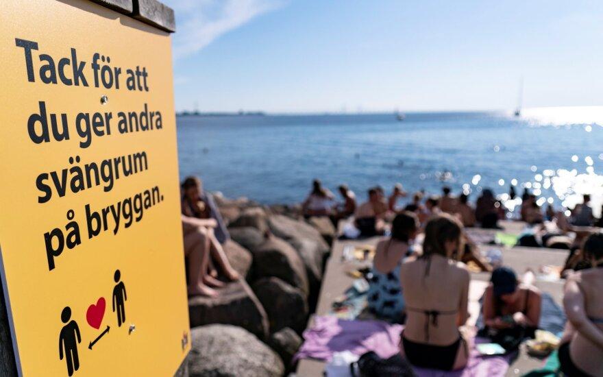 Švedijos COVID-19 ekspertas: pasaulis išsikraustė iš proto