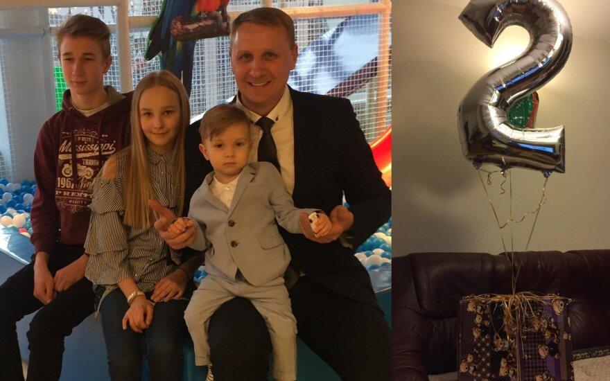 Andrius Šedžius su vaikais