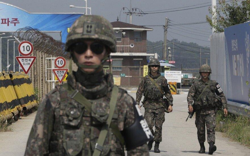 Pietų Korėjoje karys tarnybos metu pakeitė lytį: kariuomenė nežino, kaip elgtis