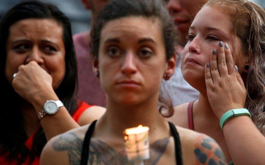 Po didžiausių šaudynių per JAV istoriją paimti žuvusiųjų palaikai