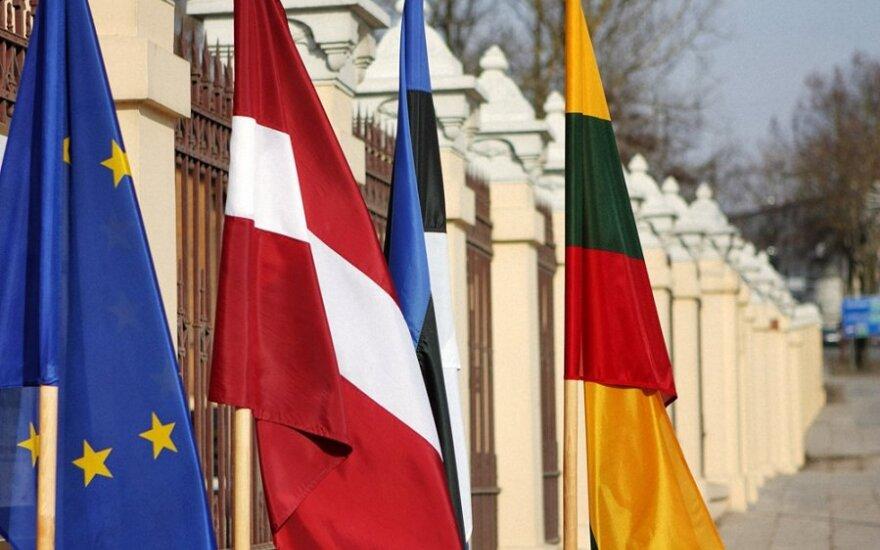 Dėl referendumo Latvijoje - Estijos ir Lietuvos parlamentų Užsienio reikalų komitetų pirmininkų pareiškimas