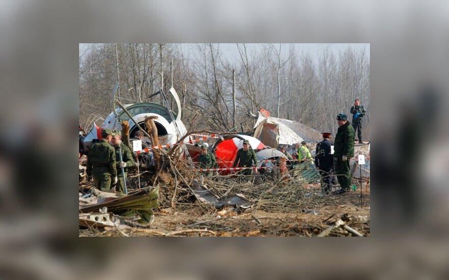 Lenkijos prezidento lėktuvo katastrofos vietoje surastas šios šalies herbas