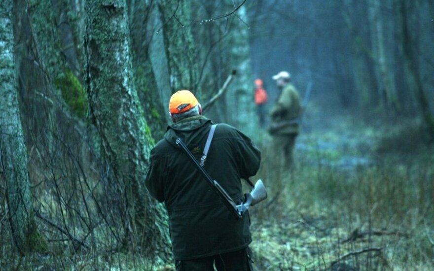 Medžiotojai nustebino pareigūnus