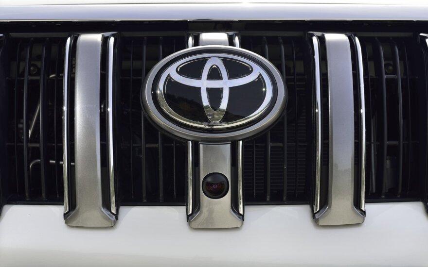 """""""Toyota"""" kalba apie rekordus – praėję metai Lietuvoje buvo 36 proc. geresni"""