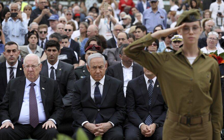Izraelyje minint Holokaustą gyvenimas sustojo dviem minutėm