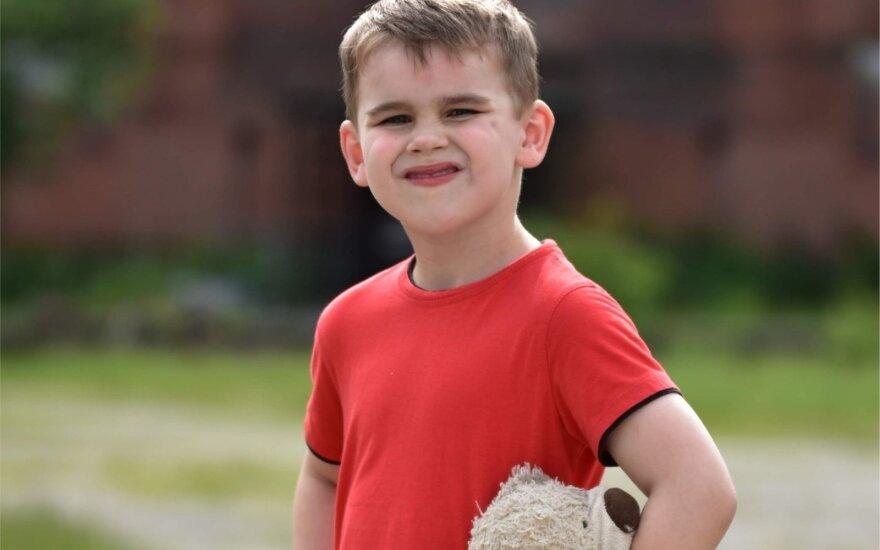 Oskaras serga ypač pavojinga liga: medikai berniukui prognozuoja gyventi tik kelis mėnesius, tačiau vilties yra