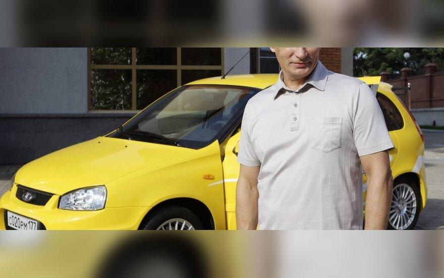 Rusija iš paskutiniųjų gina savo šalies automobilių pramonę