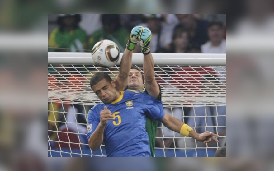 Felipe Melo įsimušė į savo vartus