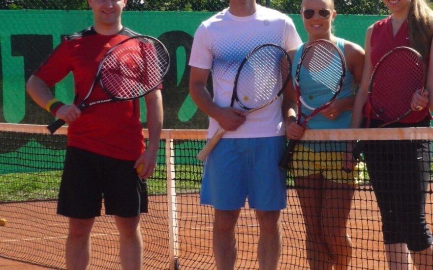 Teniso rezervacijų startuolio komanda
