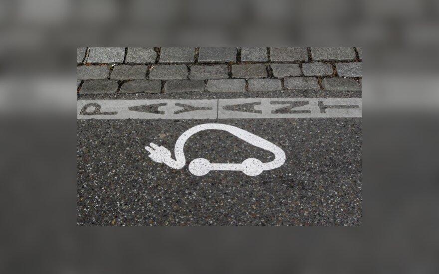 Elektromobiliai gimsta ir lietuvių garažuose