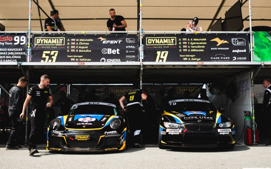 """Atrado, kodėl 1006 km lenktynes laimi """"Porsche"""" automobiliais važiuojančios komandos"""