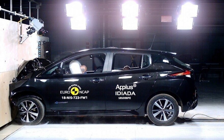 Nissan Leaf saugos testas