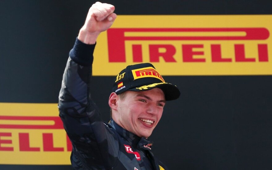"""Sensacija: """"Formulės-1"""" etapą laimėjo rusą pakeitęs 18-metis"""
