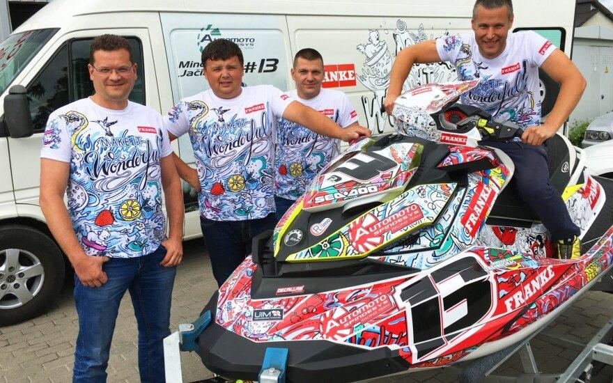 """Mindaugas Jačiauskas ir """"Automoto Spindesys Racing Team"""""""" komanda"""