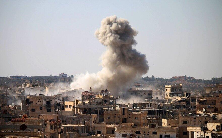 ES pritarė naujoms sankcijoms dešimčiai aukščiausio rango Sirijos pareigūnų