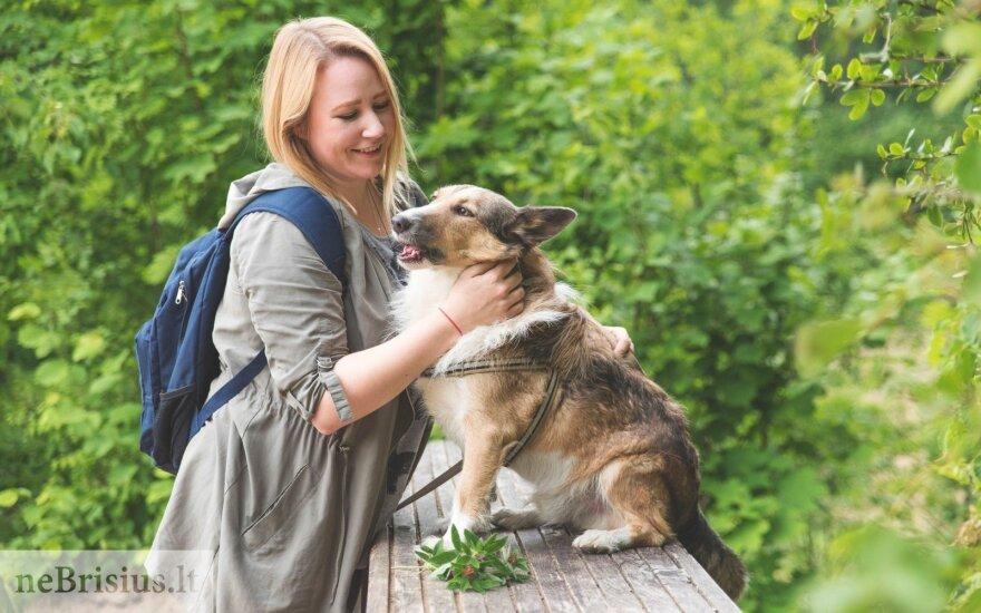 Toro širdį užkariavo jau per pirmąjį susitikimą – džiaugiasi, kad ir suaugęs šuo taip nori mokytis