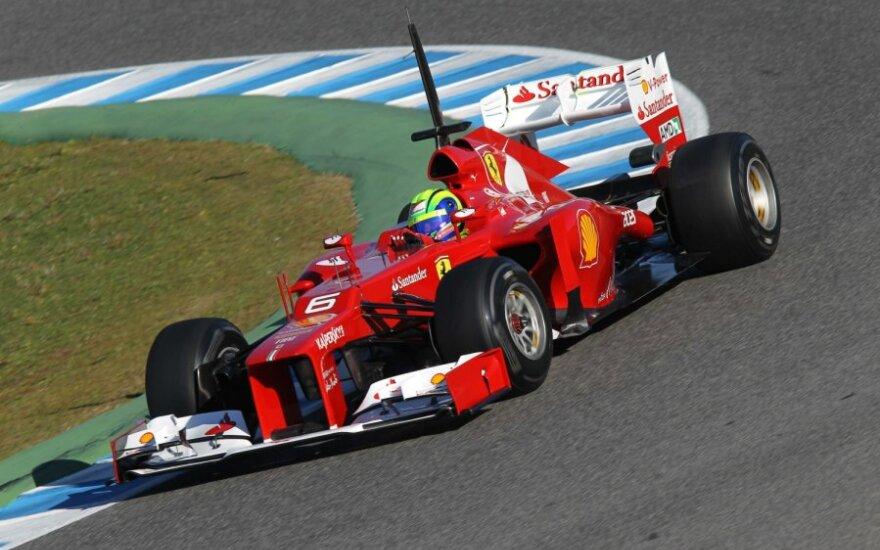 "Felipe Massa su ""Ferrari 663"" automobiliu"