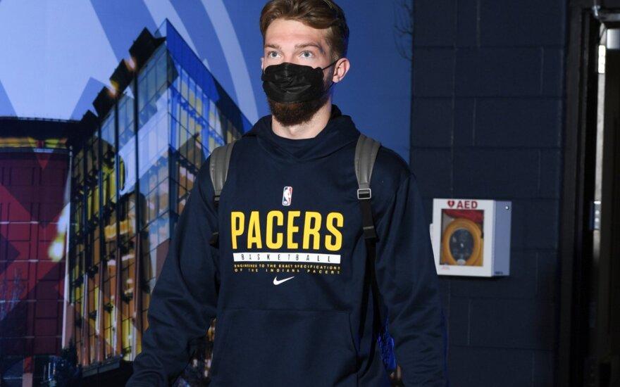 """Sabonis su sužadėtine ir kitais """"Pacers"""" žaidėjais paskiepytas nuo koronaviruso"""
