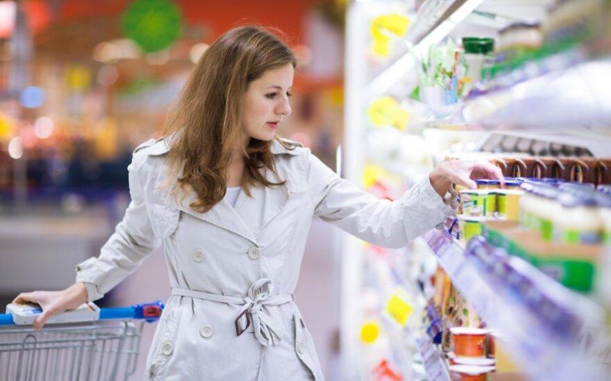 Briuselis siūlo taikyti PVM lengvatas moterų perkamoms prekėms