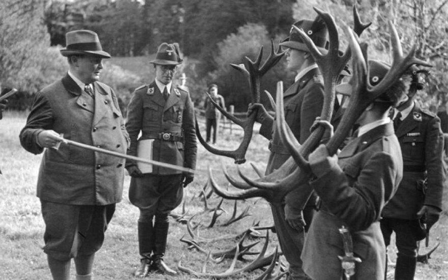 Hermannas Göringas medžioklėje. Nuotrauka iš Vokietijos federalinio archyvo