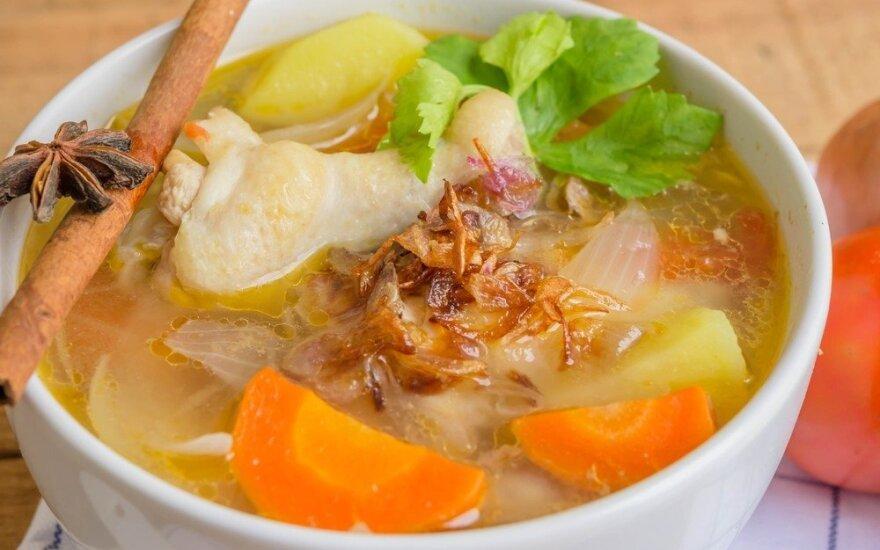 Kodėl peršalus reikia valgyti vištienos sriubą