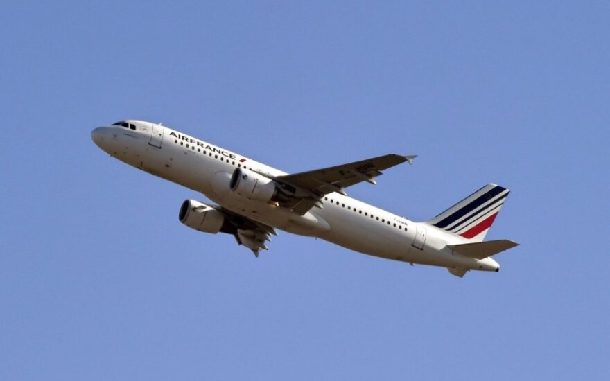 """Didžiausių konkurentų bendradarbiavimas: """"Boeing"""" tieks dalis """"Airbus"""" lėktuvams"""