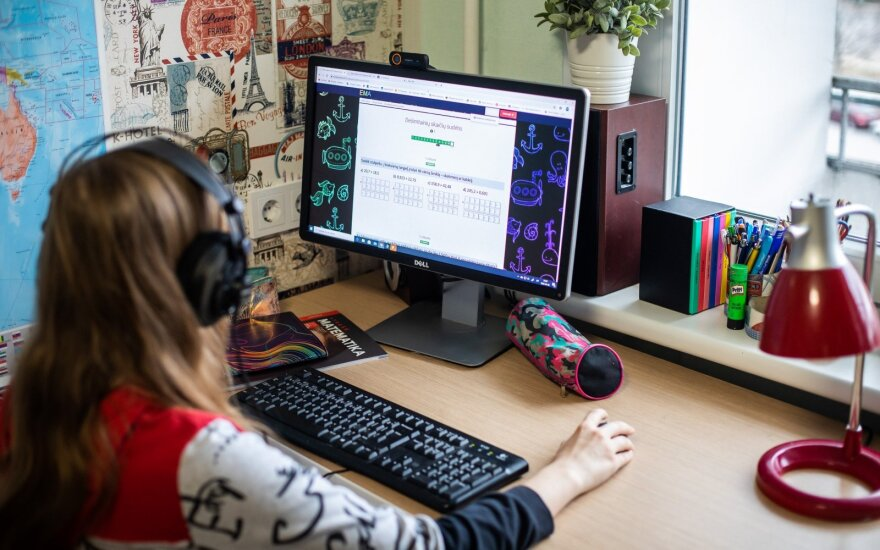 75 per cent of schools will finish academic year working remotely