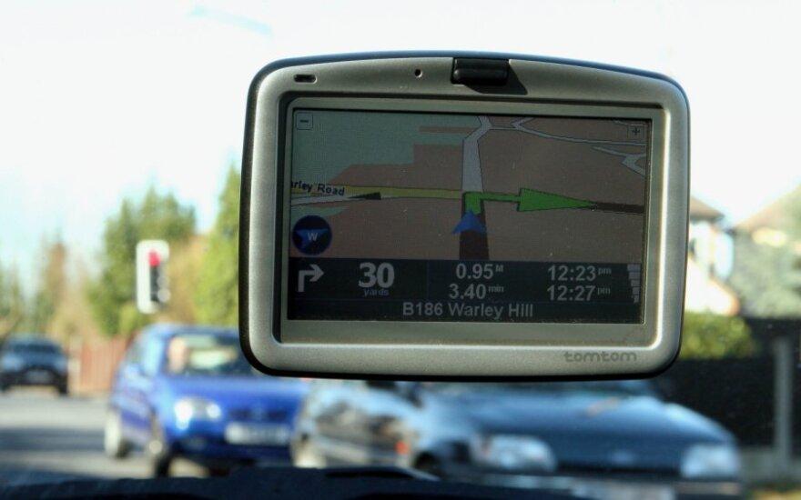 Navigacijos sistema aklai pasitikėjusi močiutė vietoje 80 km nuvažiavo 1300