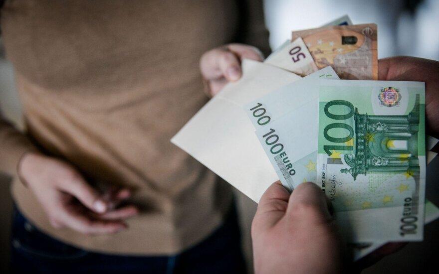 Padirbtus pinigus atskirti nuo tikrų mokys speciali programa