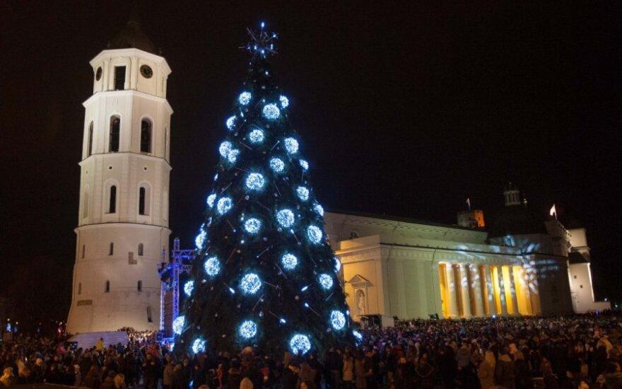 Įžiebkite Kalėdinę eglutę savo mieste!
