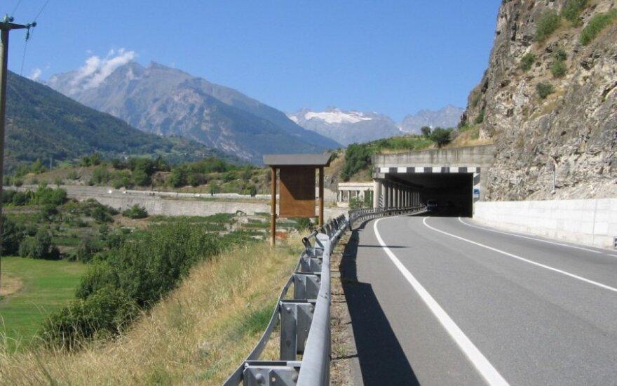 Alpių kalnų regionas: patarimai keliaujantiems automobiliu
