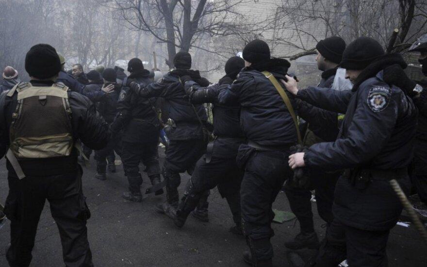 Lietuvos ambasadorius Kijeve: regionai sukilo, nevažiuokite į Ukrainą