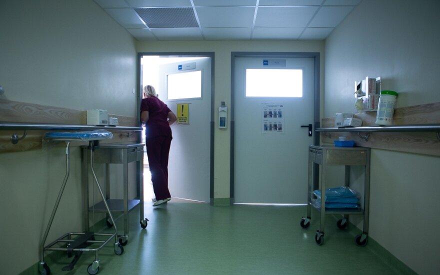 Iš Santaros klinikų pabėgusios 13-metės tyrimas dėl koronaviruso neigiamas