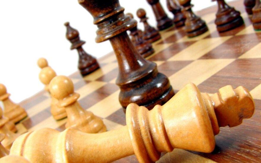 Iš klaipėdiečio sugėrovai išsinešė televizorių, bajaną ir šachmatus