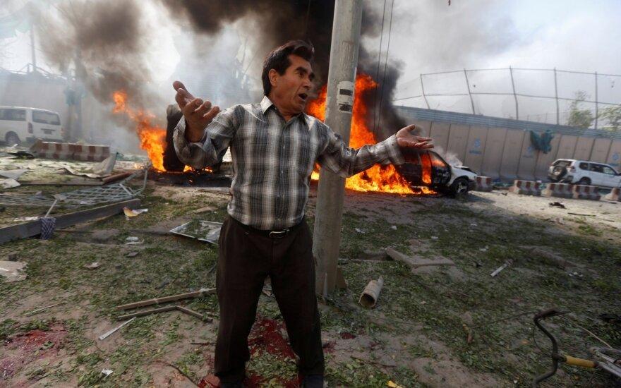 Sprogdinimo Kabulo diplomatiniame rajone aukų padaugėjo iki 90