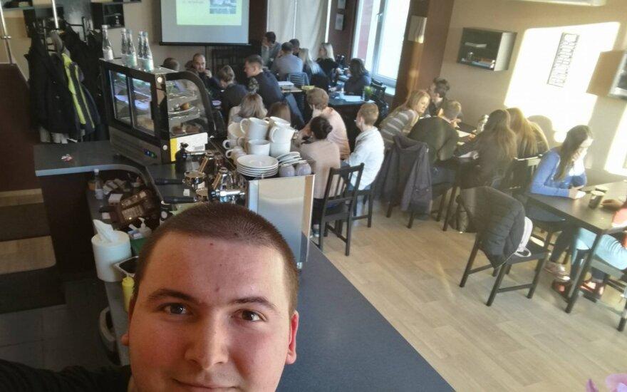 Šalčininkuose veikianti kavinė siūlo ne tik skanią kavą, bet ir erdvę aktyviems piliečiams ir visuomeninkams
