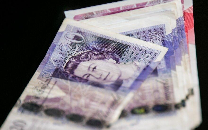 Anglijoje dirbantis vairuotojas atvėrė piniginę: kiek dirba, uždirba ir kokią premiją gauna