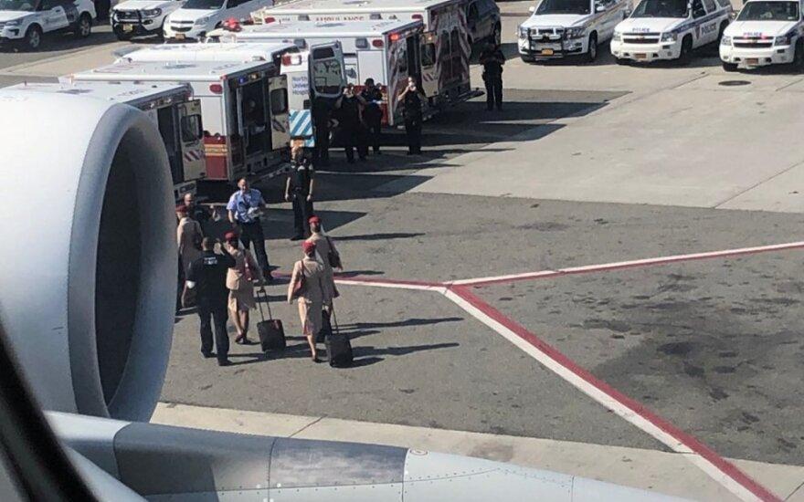 Po skrydžio daugiau nei 100 keleivių pasijuto blogai