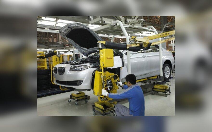 BMW atšaukia 21,7 tūkst. sedanų Kinijoje