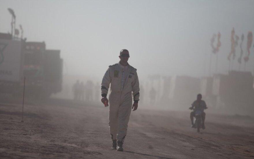 Dakaro ralio dalyvius paskandino smėlio audra