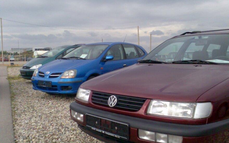 Parduodami automobiliai Gariūnų turguje