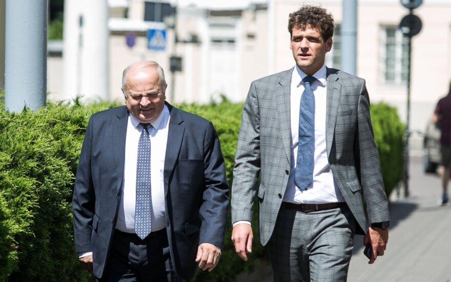 Kamblevičius ragina Žemaitaitį trauktis iš vicepirmininko pareigų ir keičia poziciją dėl postų