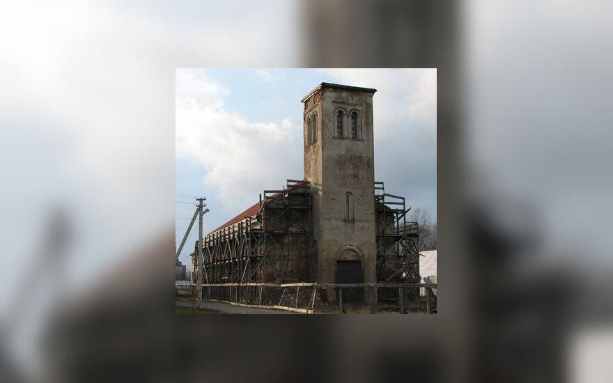 Apleista buvusi evangelikų liuteronų bažnyčia