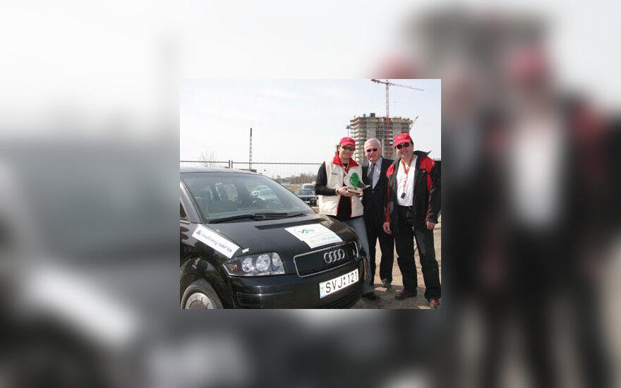 "Ekologinio žygio nugalėtojų automobilis ""Audi A2"""