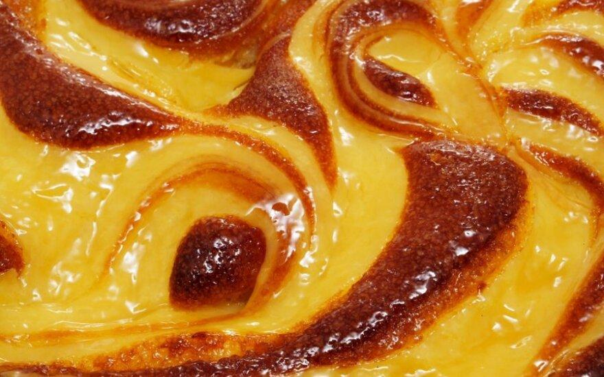 Pyragas su persimonais
